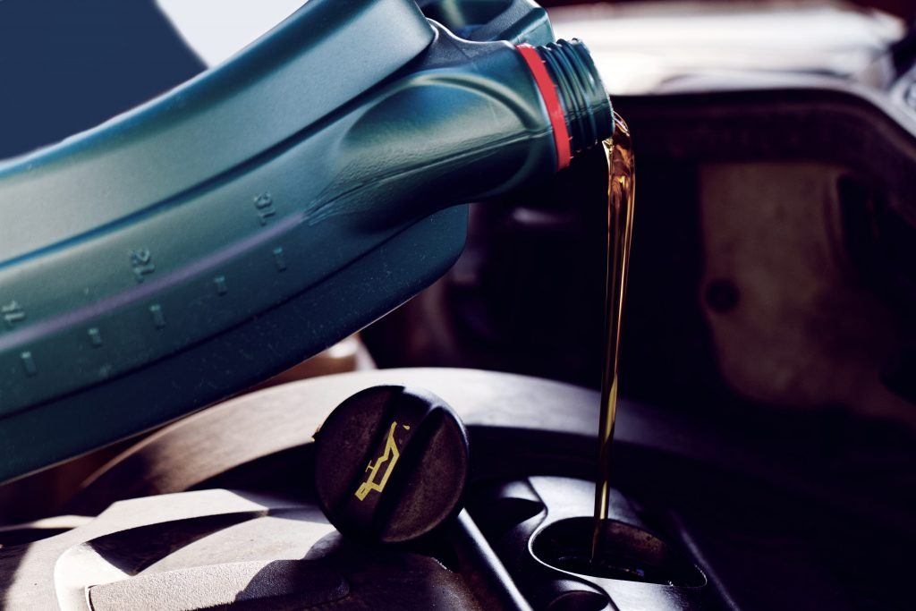 When is the Right Time to Change My Oil? | CARFAX