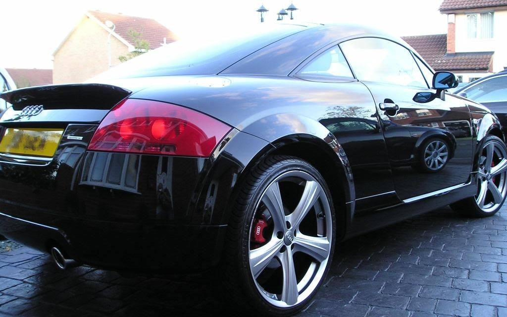 Get To Keep The Car Shinning With The Best Rated Car Wax