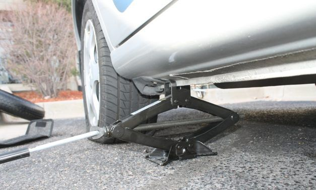 Guide To Buying The Best Tire Jack In 2019