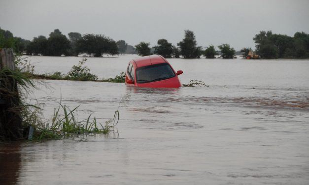 How To Escape A Car Crash In Water